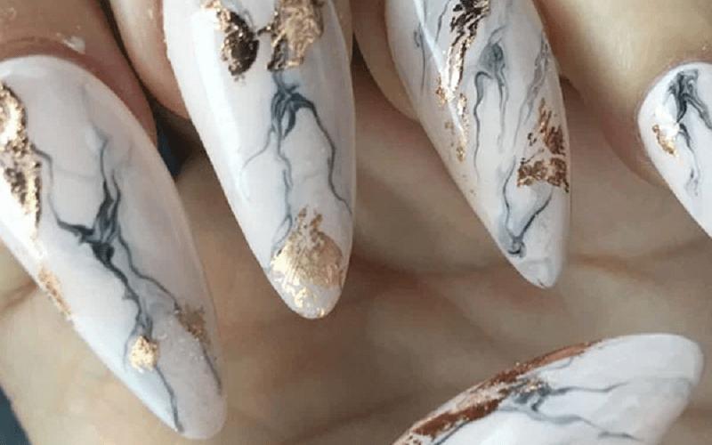 لاک مرمری و طلایی