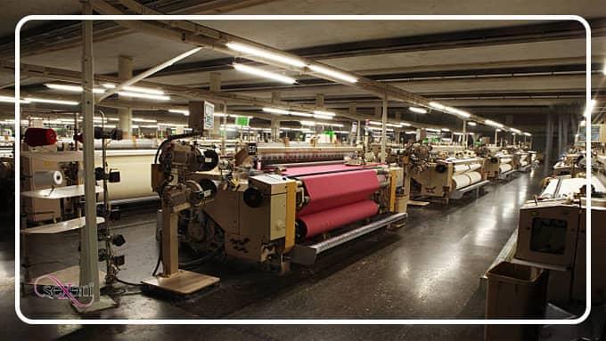 تولید لباس در کارخانه