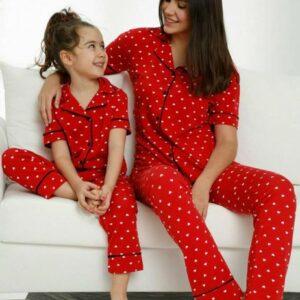 تیشرت و شلوار زنانه قرمز خالدار دکمه ای